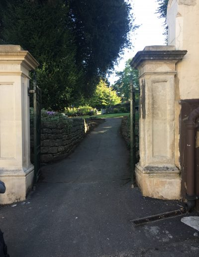 Image - entrance to bank gardens